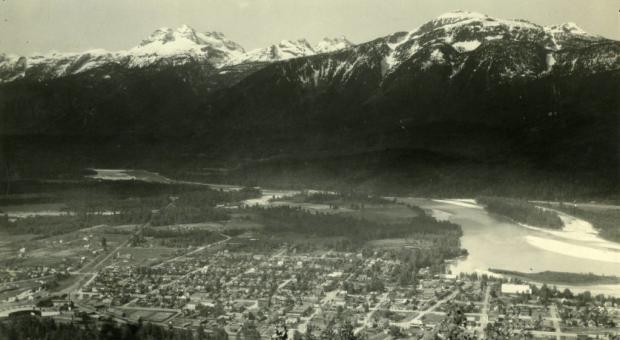 Mt. Begbie is Revelstoke's iconic peak. (Revelstoke Museum and Archives #4568)